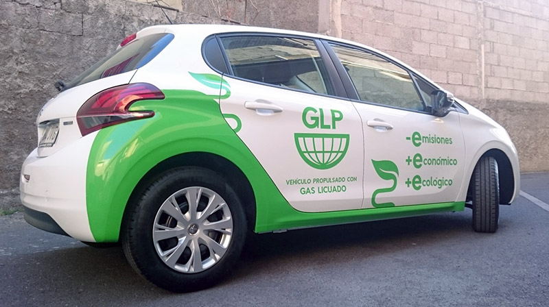 Rotulación coche GLP